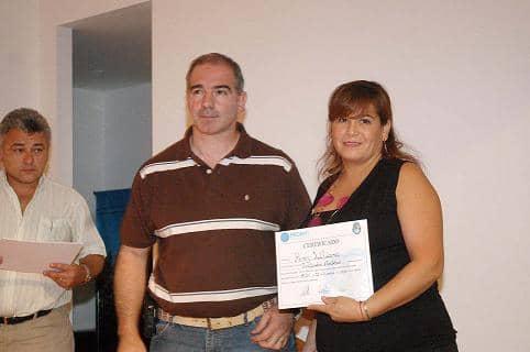Elaboración de alimentos: entregaron certificados