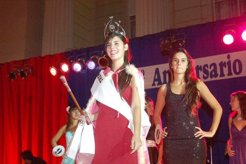 Joana Albarracín fue coronada Reina de la ciudad