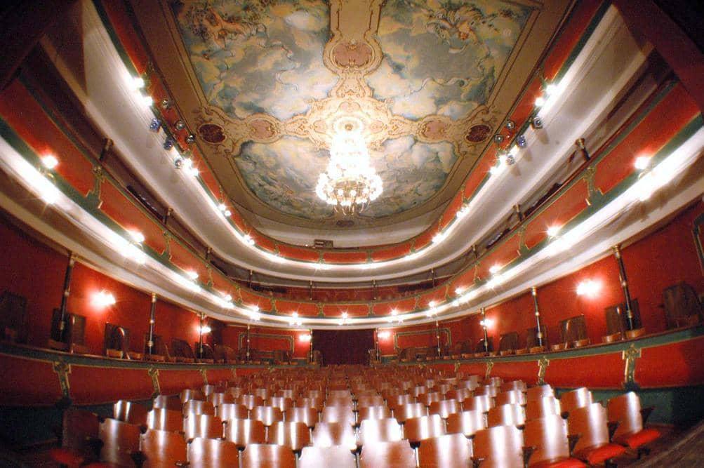 Se inauguran las refacciones en el Teatro Español