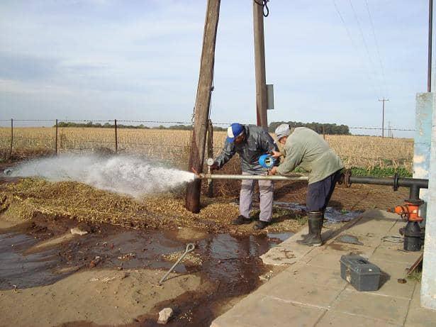 Realizan ensayos en la red de agua