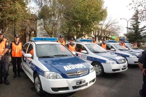 Entregaron 5 patrulleros a la Policía