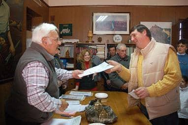 El intendente entregó subsidios a 46 productores