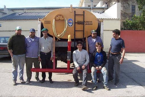 Recuperan tanque para riego en movimiento