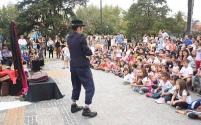"""""""MiTrenqueEsAsi"""" INVADIO LA PLAZA CON UNA PROPUESTA MARCADA POR LA GRAN PARTICIPACION DE LOS VECINOS"""