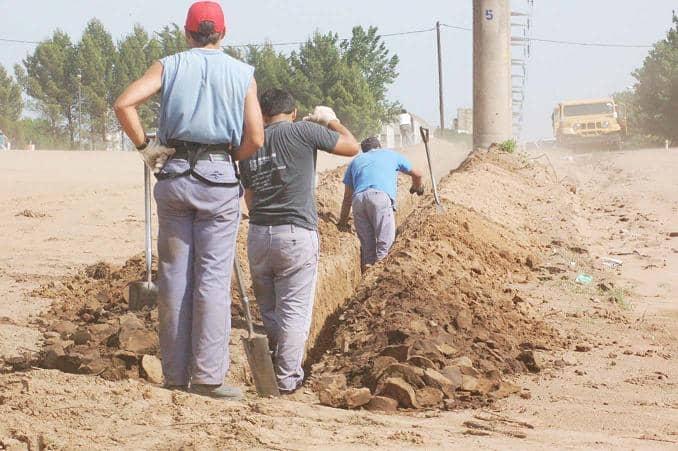 Importante obra de red de agua en el sector Sur