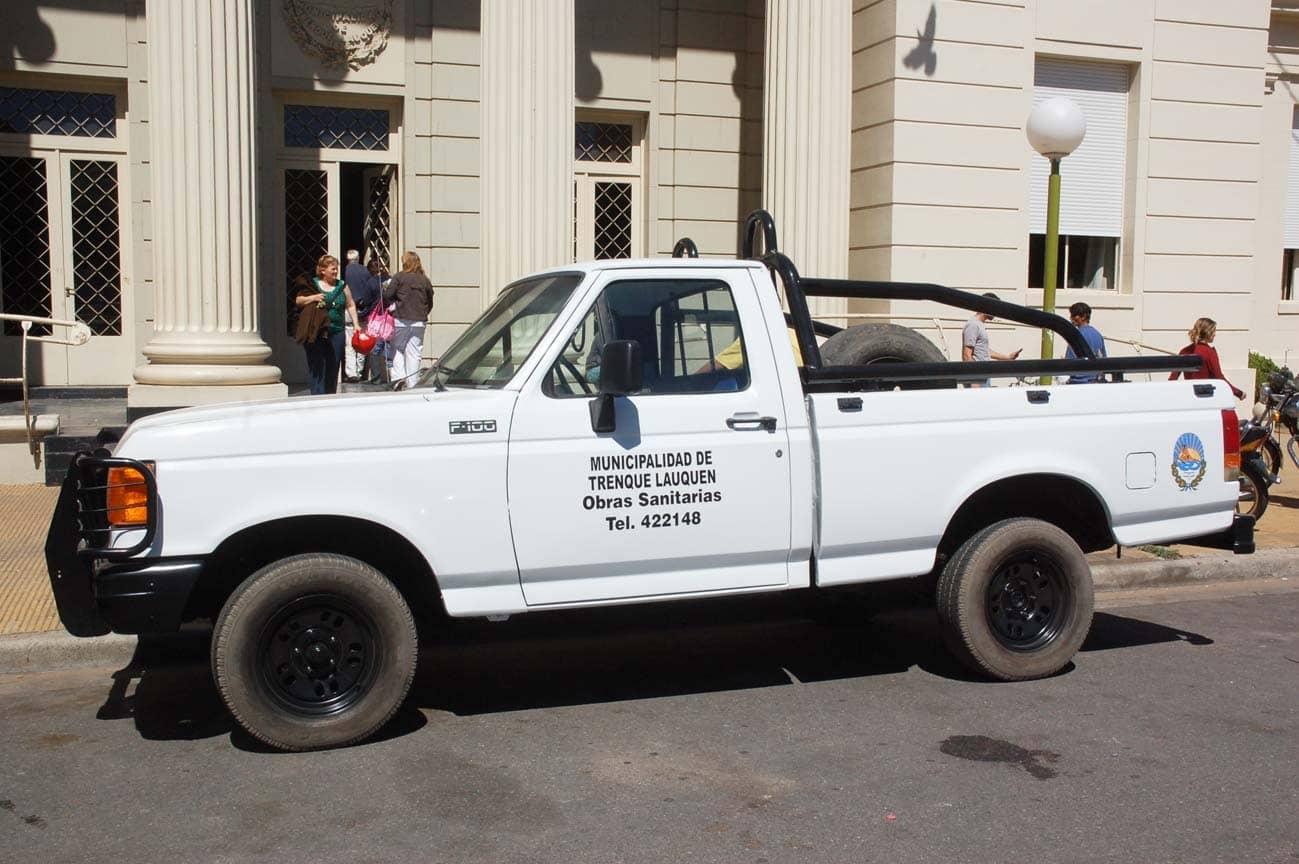 Recuperan camioneta F-100 para Servicios Sanitarios