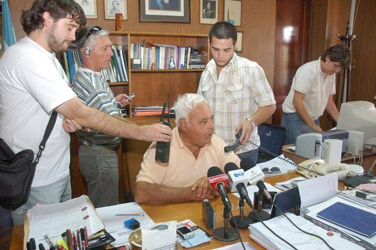 Barracchia anunció un premio para municipales
