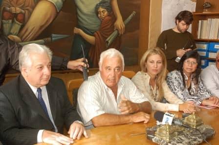 Barracchia firmó convenios con Cuartango