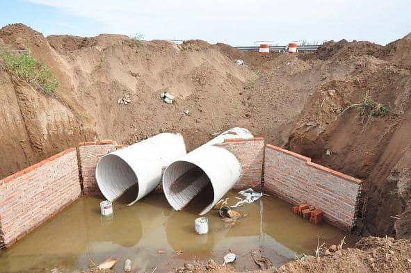 Trabajos de desagües pluviales en la Ampliación