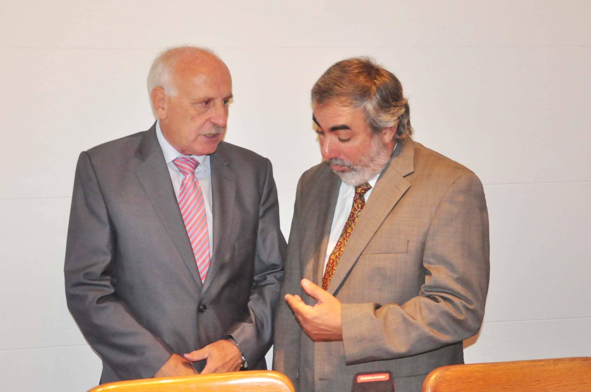 Feito y Fernández firmaron el acta de traspaso