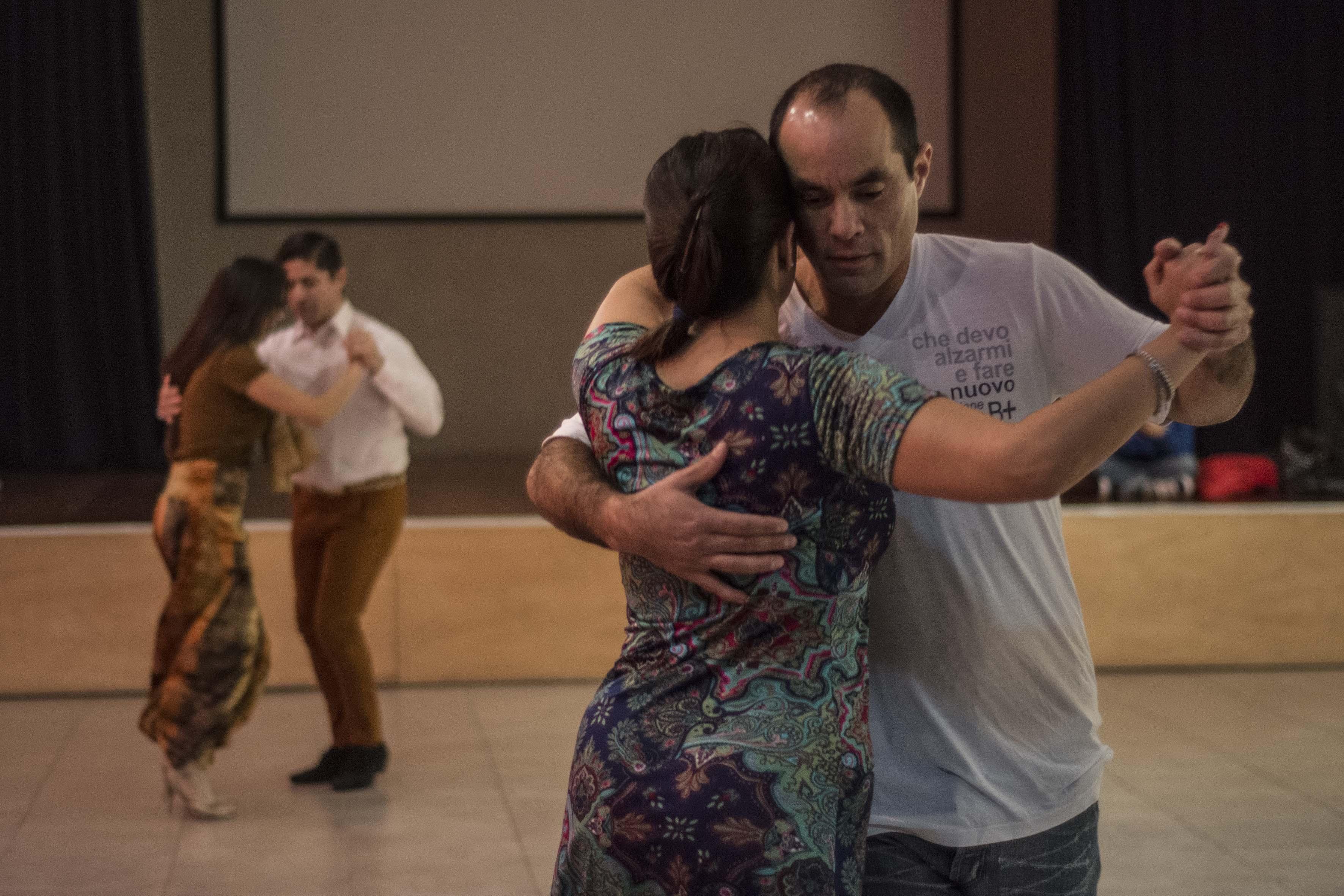 Barrios de Tango: este viernes habrá Práctica de Milonga en la Casa de la Cultura