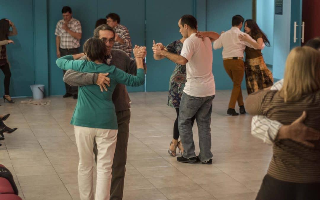 Octubre milonguero: hoy (viernes) habrá práctica de milonga en la Casa de la Cultura