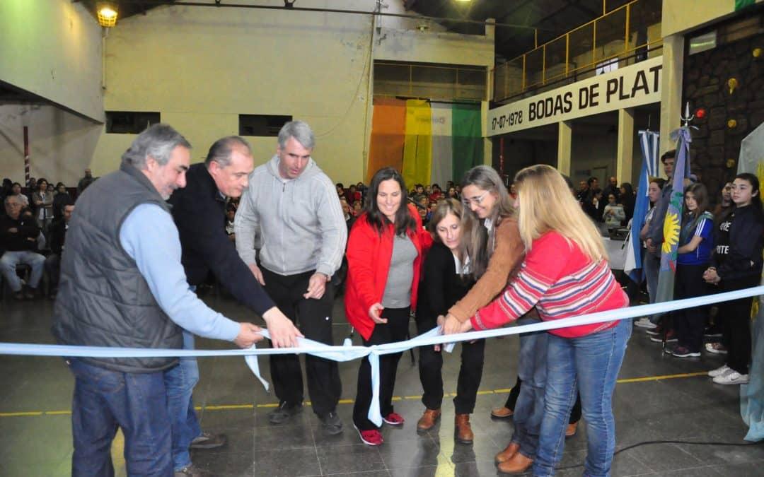 Se reinauguró hoy el gimnasio del CEF 18