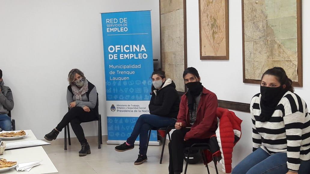 SE REALIZARON PRÁCTICAS DE ENTREVISTAS LABORALES EN EL CURSO DE INTRODUCCIÓN AL TRABAJO