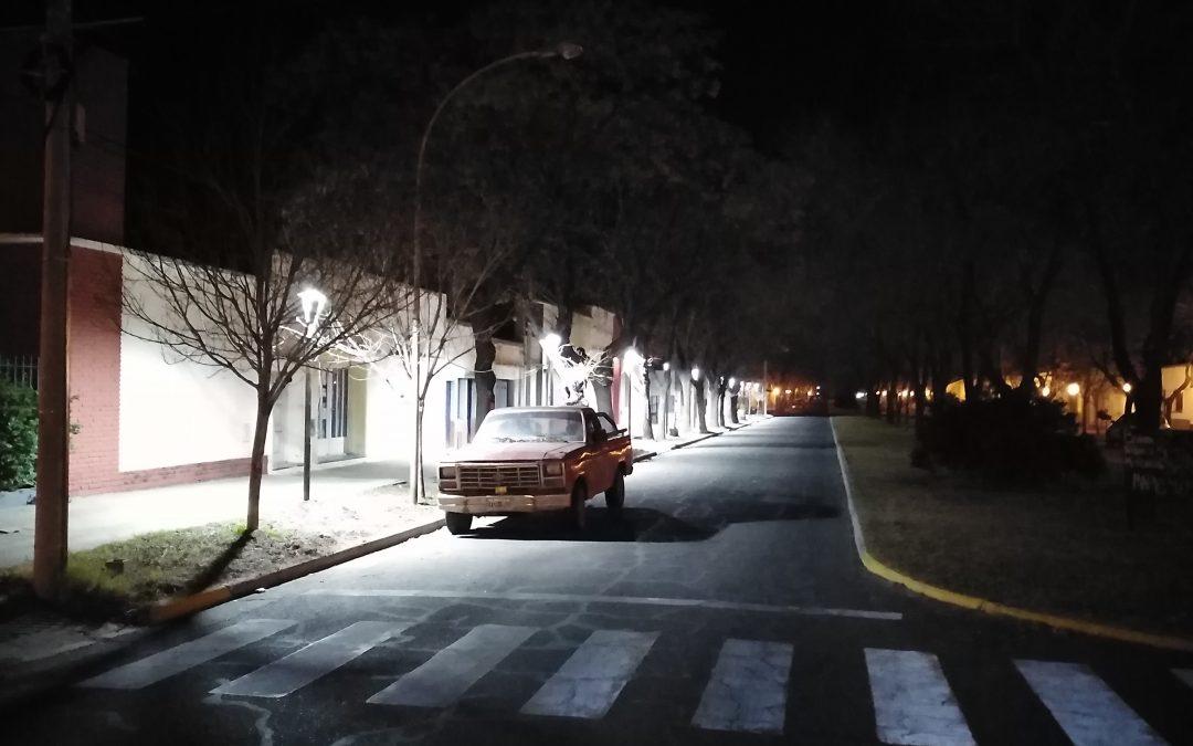 EL MUNICIPIO DEJÓ INAUGURADA UNA NUEVA CUADRA DE ALUMBRADO PÚBLICO LED EN CALLE DORREGO, ENTRE SARMIENTO Y GOBERNADOR IRIGOYEN