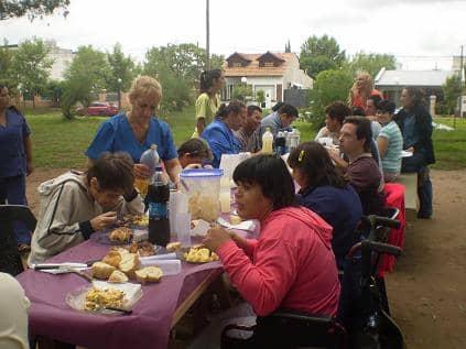 Jornada al aire libre para beneficiarios del Centro de Día y Cumen Che