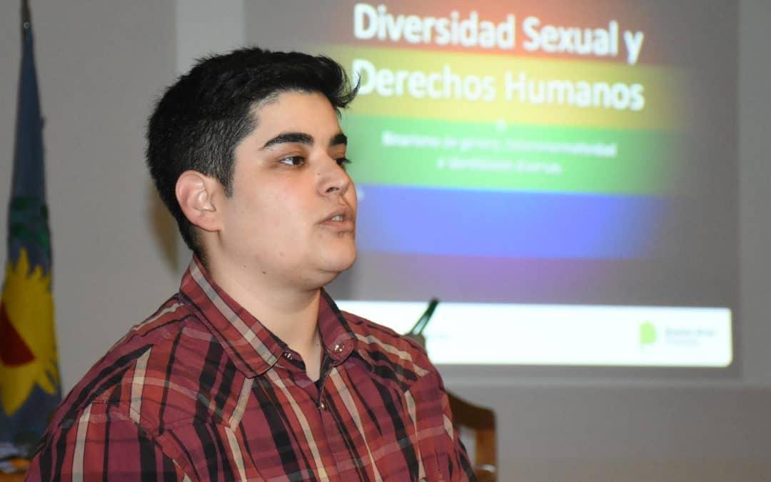 Se dictó una charla sobre diversidad de género