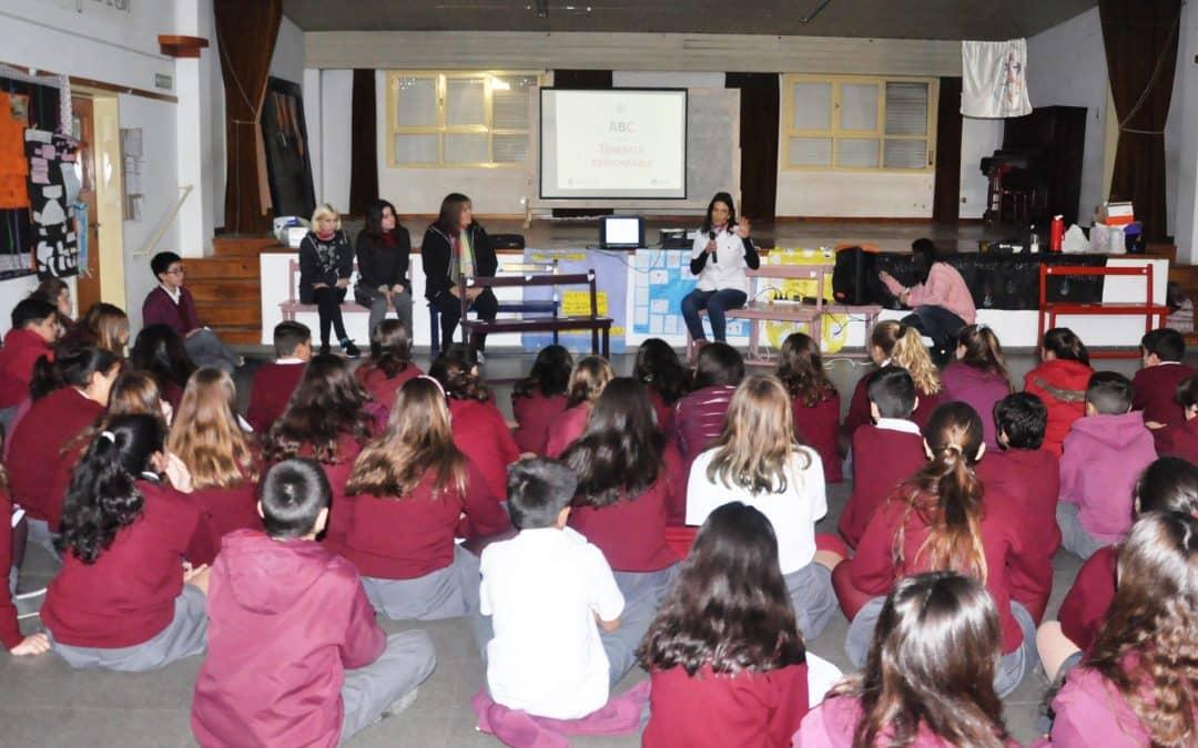 Zoonosis: se brindó ayer (miércoles) una charla en escuela secundaria