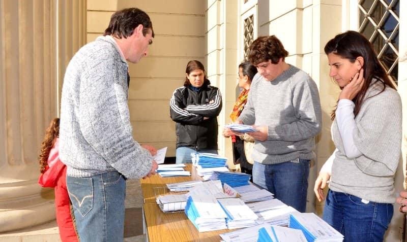 Contin a la entrega de dni en la municipalidad for Ministerio interior dni