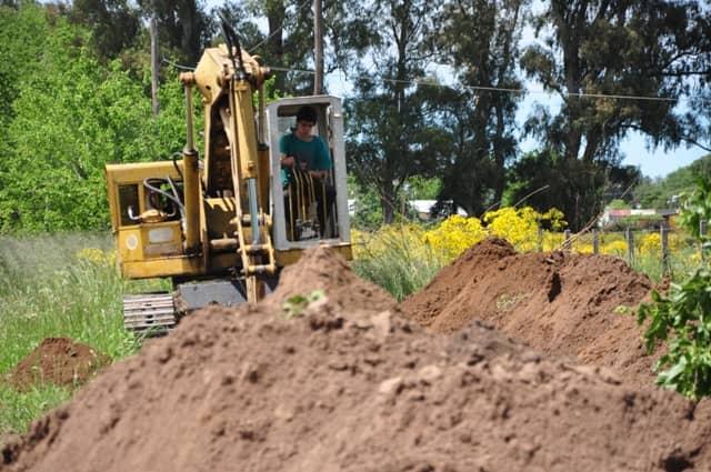 Se realiza el tendido de agua con 20 nuevos pozos para la Ampliación Urbana