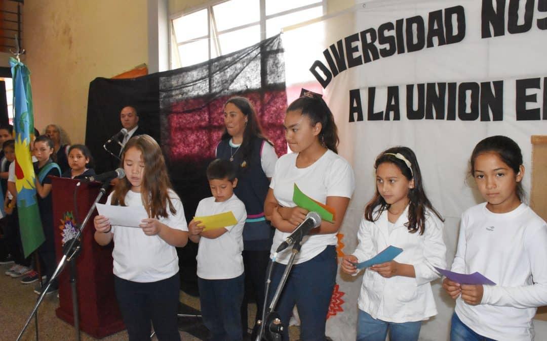 """ANDREA LÓPEZ, DIRECTORA DEL CEC N° 802: """"LAS DIFERENCIAS NOS ENRIQUECEN Y EL RESPETO NOS UNE"""""""