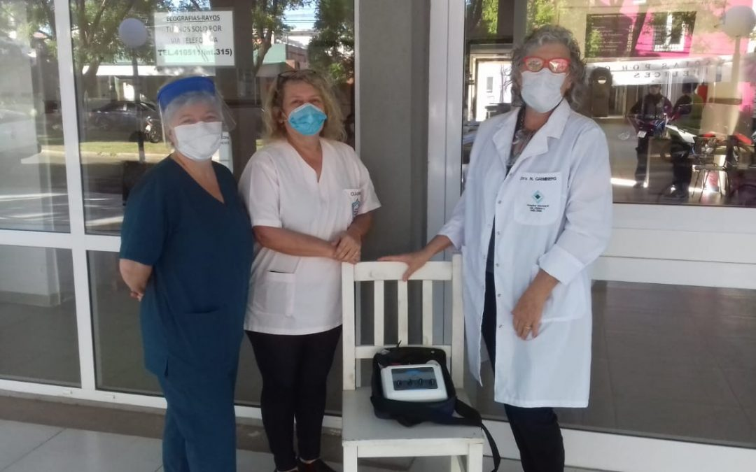 NUEVA DONACIÓN DE DAMAS ROSADAS AL HOSPITAL DR. PEDRO T. ORELLANA: UN ELECTROESTIMULADOR SEAKIT PARA EL ÁREA DE KINESIOLOGÍA