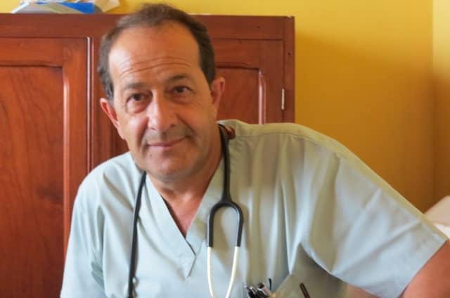 El Dr. Ramos, en el Hospital de 30 de Agosto