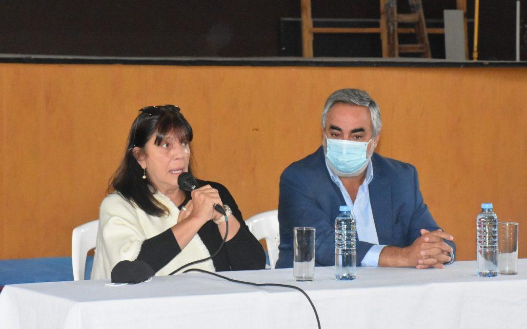 """MINISTRA TERESA GARCÍA: """"LA ESCRITURA ES UN INSTRUMENTO JURÍDICO ESENCIAL PARA CUALQUIER FAMILIA"""""""