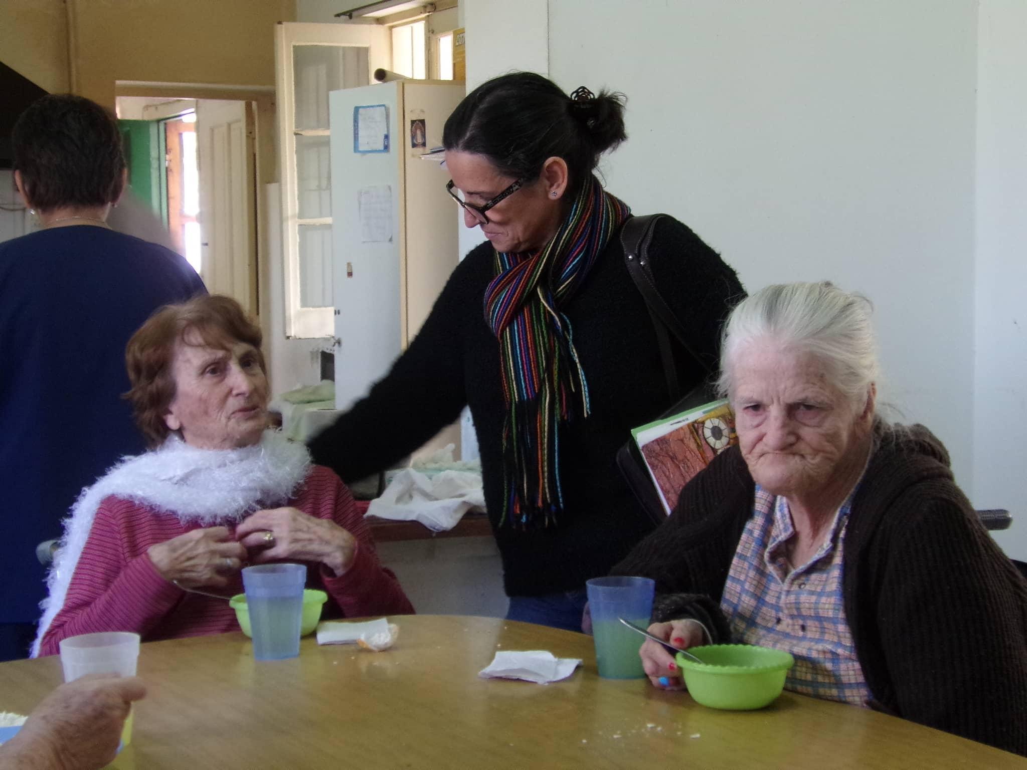 Felice visitó el Hogar Evita y la obra de una vivienda social