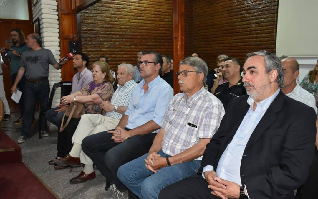 Fernández participó de la ceremonia de jura y asunción de los concejales