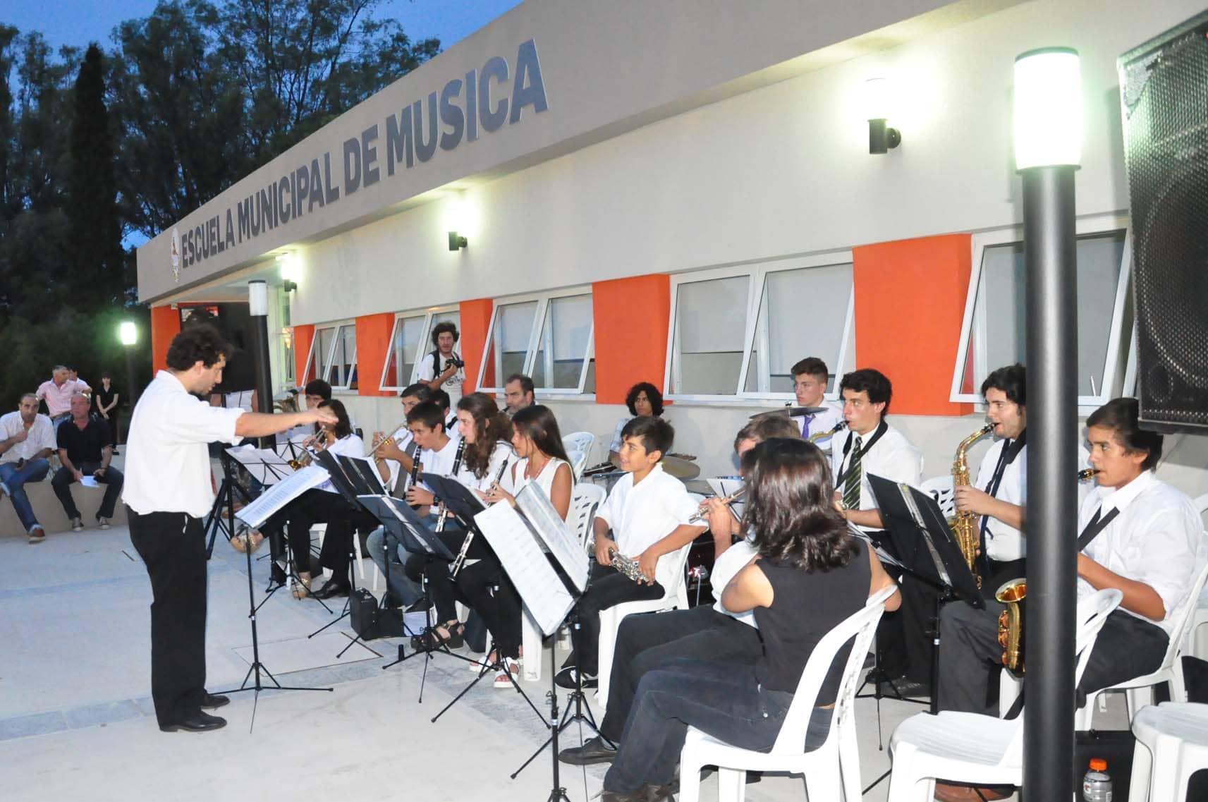 Homenaje a Barracchia escuela de música - enero 2016 (13)
