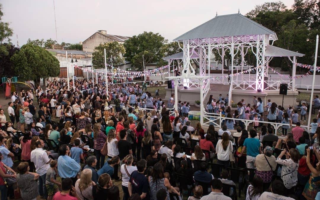 Fernández inauguró la Glorieta y anunció nuevas obras en Educación