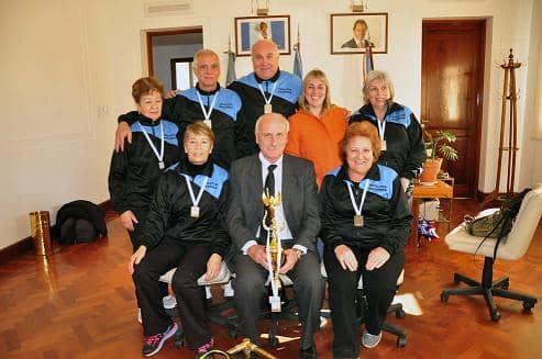 Trofeo para equipo local de Newcon