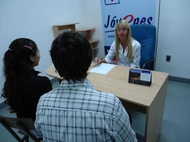 La oficina de empleo realiz una capacitaci n y selecci n for Oficinas y cajeros