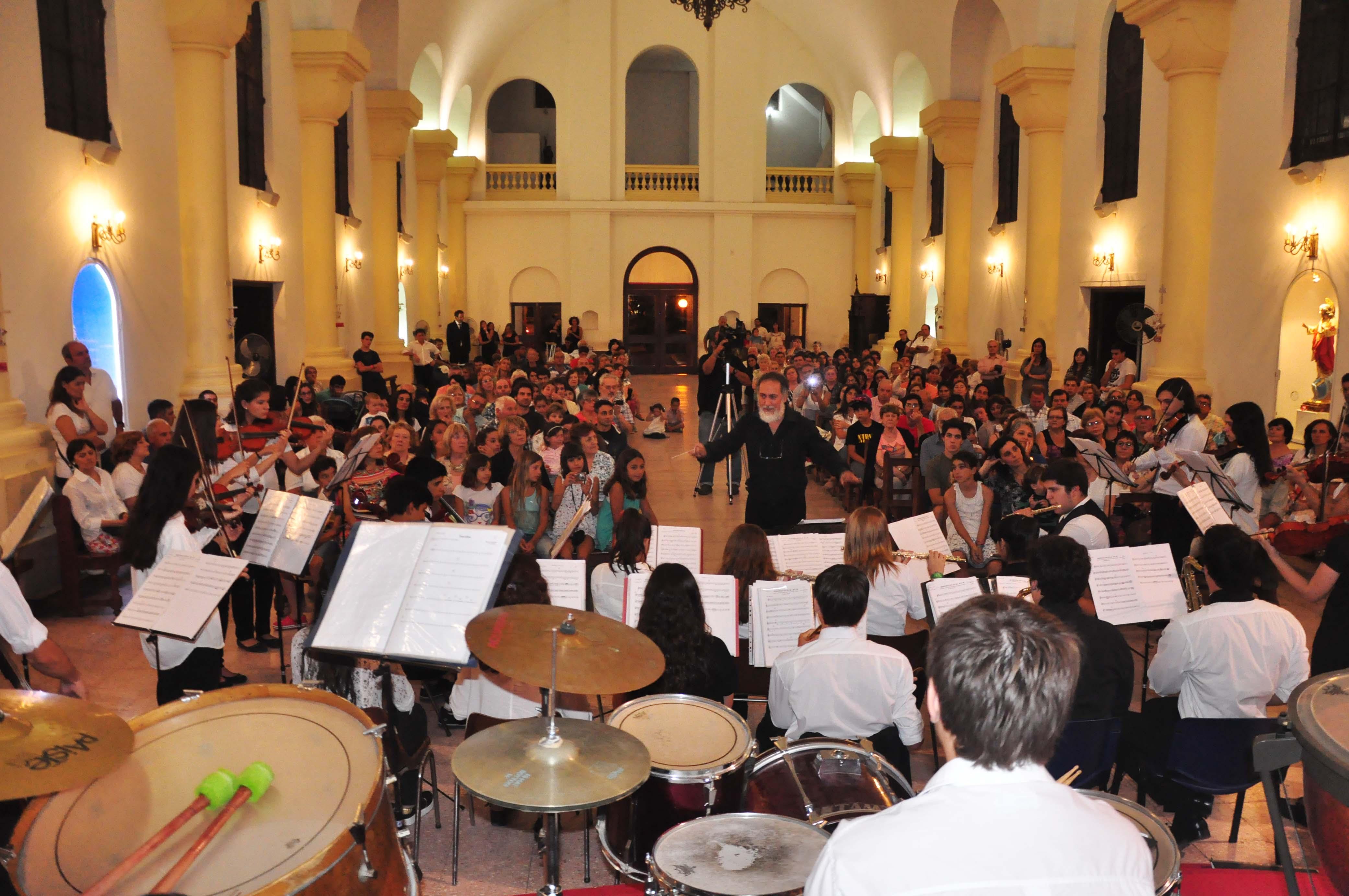 Orquesta en Parroquia - diciembre 2015 (1)