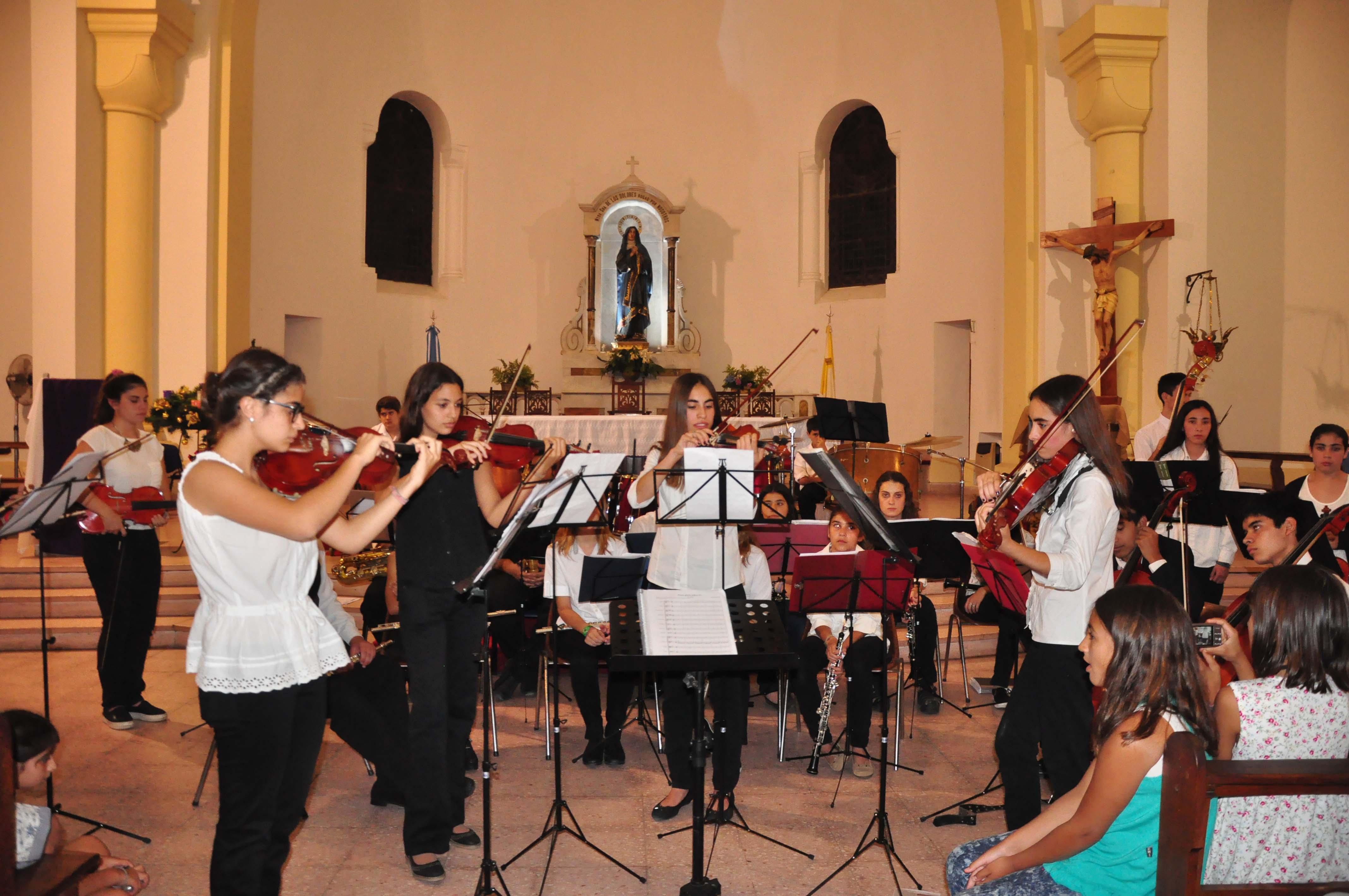 Orquesta en Parroquia - diciembre 2015 (6)