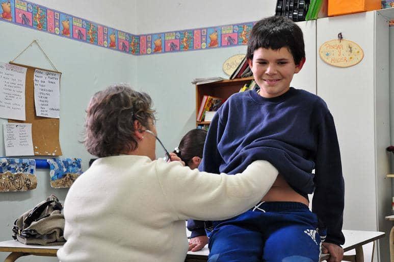 Controles de Salud en la Escuela Abierta de Verano