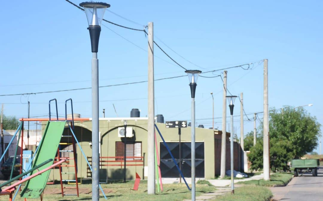 Se finalizó la colocación de luces led en el barrio UOCRA