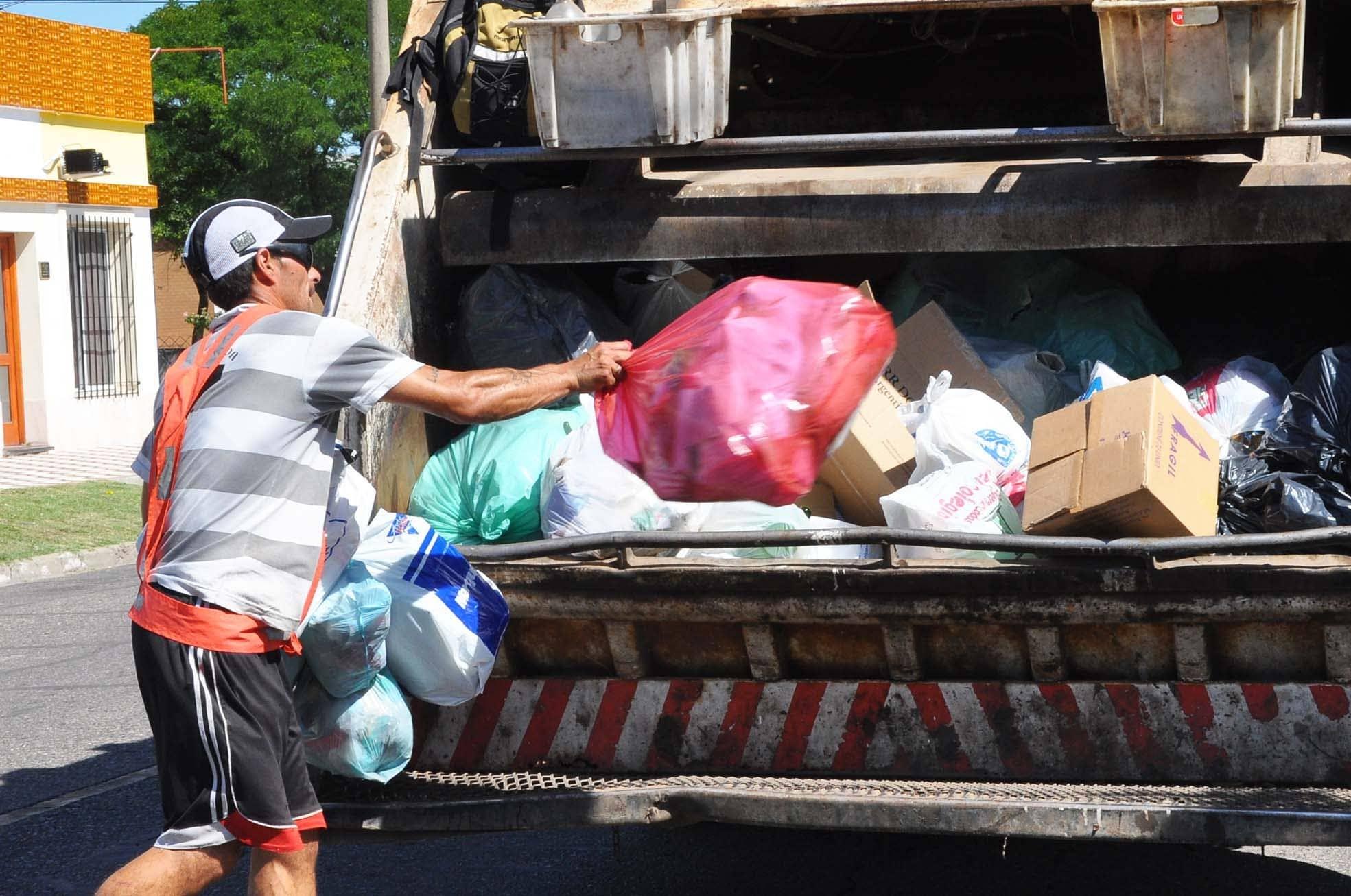 El lunes se realiza recolección domiciliaria de residuos