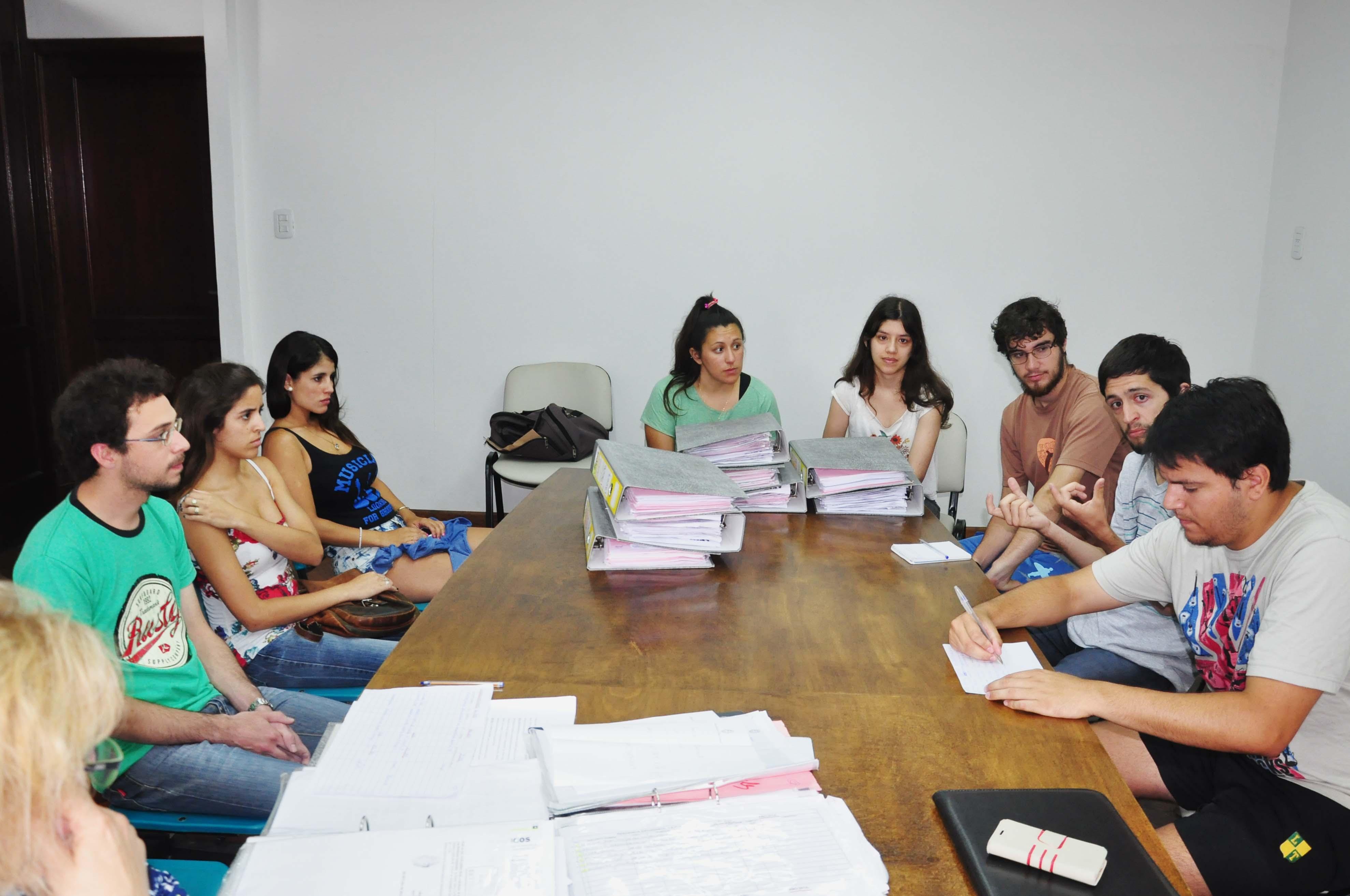 Reunión por residencia en la Casa del Estudiante de La Plata