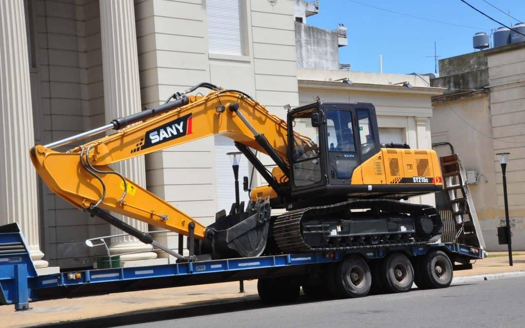 El Municipio adquirió una retroexcavadora por más de 2 millones