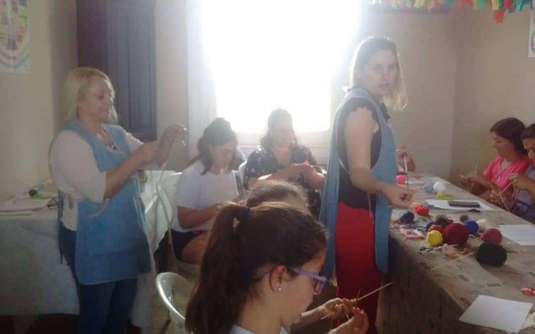 UN TALLER DE MANDALAS CERRÓ EN GIRODÍAS EL CICLO 2019 DE LA SEMANA DE LAS ARTES, QUE ROTÓ POR TODAS LAS SEDES DE LA ESCUELA MUNICIPAL