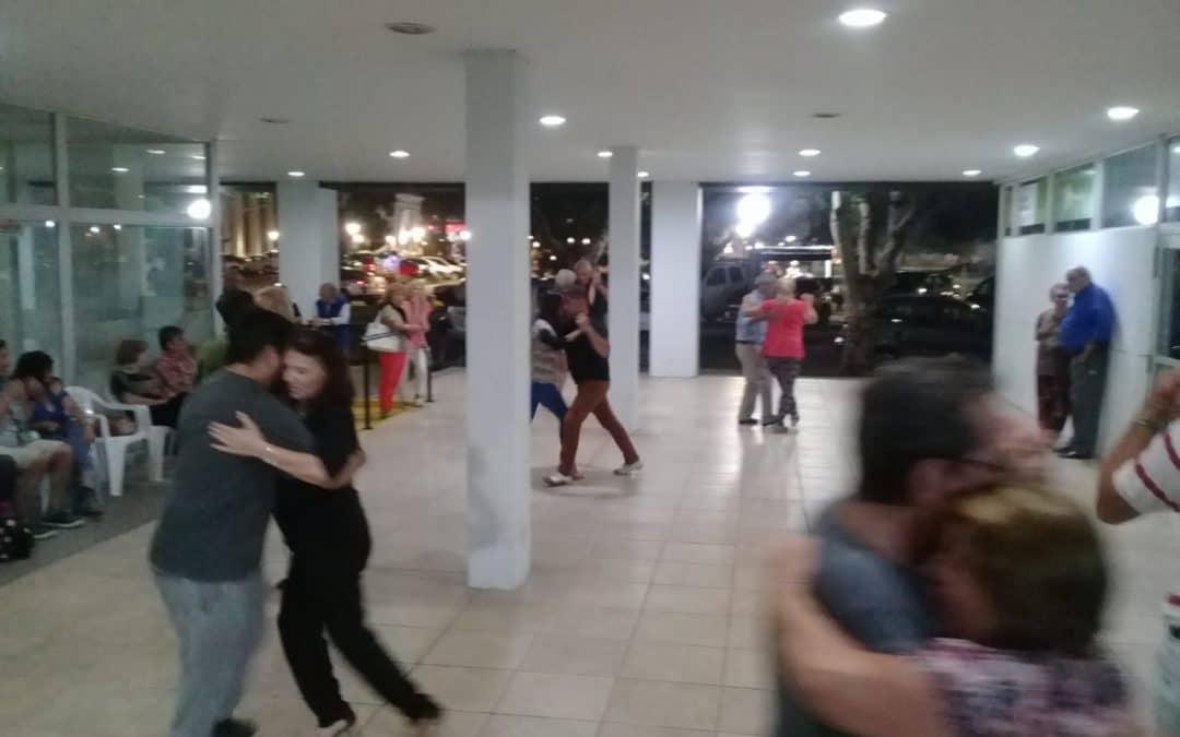 """OTRA VEZ """"TANGO EN LA CALLE"""" HIZO REVIVIR LA NOCHE DEL PATIO DEL CENTRO CÍVICO"""