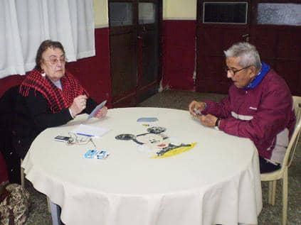 Abuelos del Castella participan de los torneos de adultos mayores