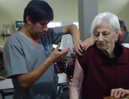 Vacunación para abuelos del Castella