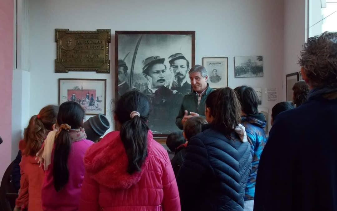 Estudiantes realizaron hoy (miércoles) una recorrida por los museos