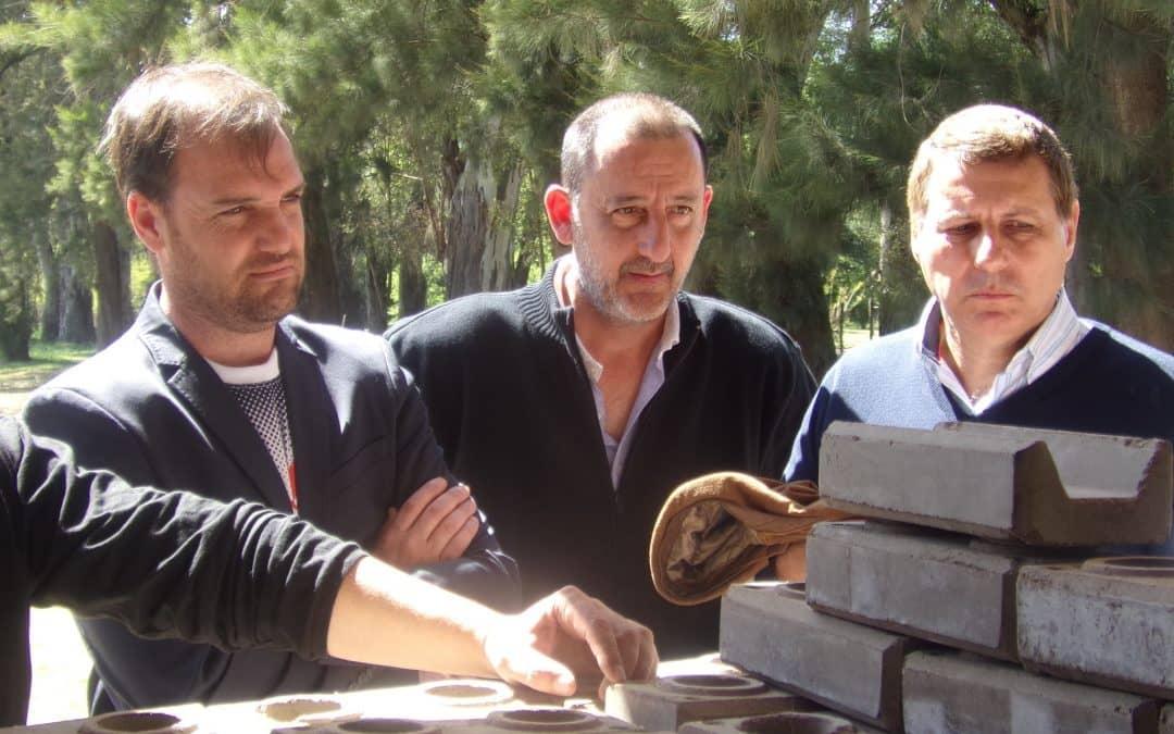 Fernández visitó un proyecto productivo y social en Rivadavia