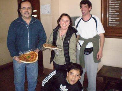 Primeras pre-pizzas realizadas en el Centro de Día