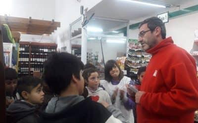 LA ESCUELA Nº 46 PARTICIPA DEL TALLER DE NUTRICIÓN Y LOS CHICOS RECORRIERON HOY (VIERNES) UN SUPERMERCADO