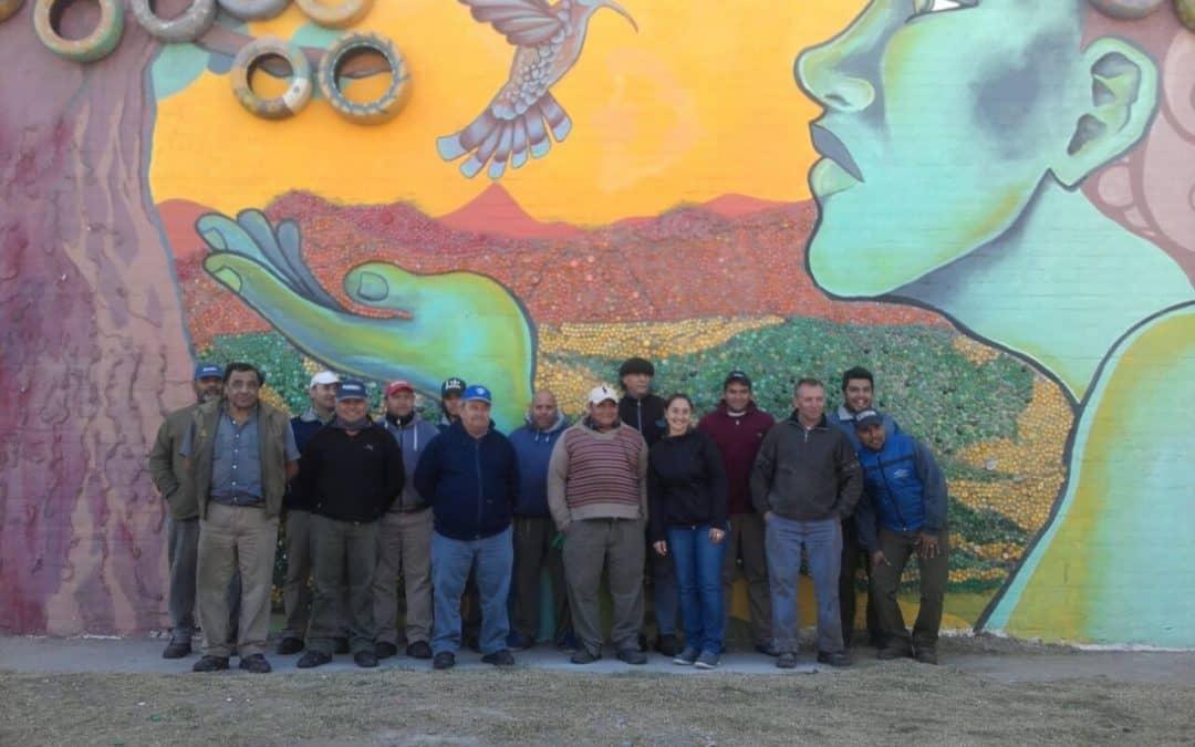 Se inauguró un mural con productos reciclados en la Planta de Tratamiento de Residuos